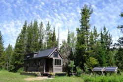 Off-Grid Living: An Introduction to Sustainable Communities in the U.S.